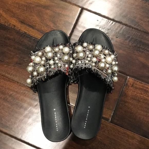 3b2033ec072 Zara Tweed Pearl Slides. M 5a4515bc84b5ced5750cf194